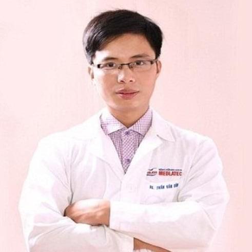 bác sĩ Trần Văn Dũng