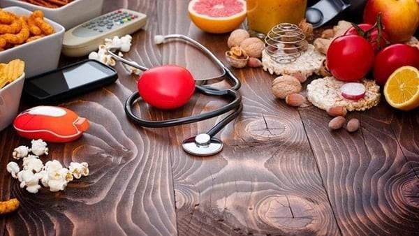 Lối sống kém lành mạnh là nguy cơ gây tăng huyết áp người trẻ