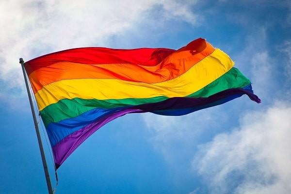 Lá cờ lục sắc là biểu tượng của cộng đồng LGBT