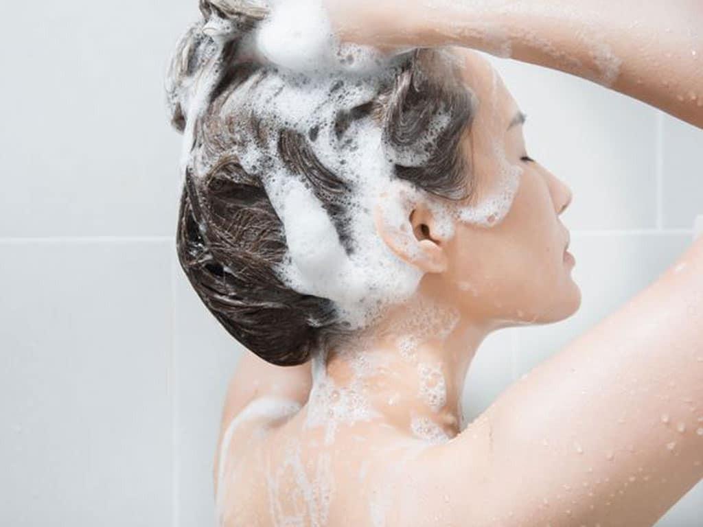 Dầu gội trị rụng tóc sau sinh