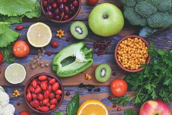 Khi nhiệt miệng, bạn cũng cần bổ sung cho cơ thể các thực phẩm giàu vitamin
