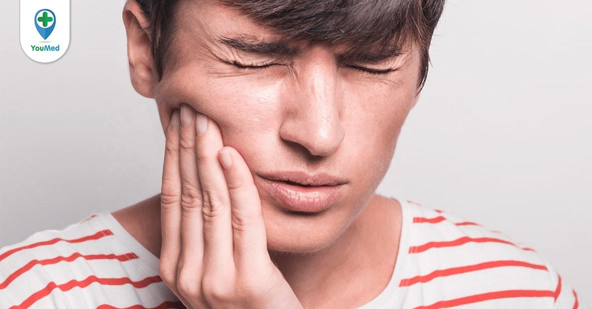 triệu chứng nhiệt miệng