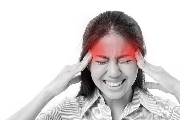 Đau đầu là một trong những triệu chứng của cao huyết áp