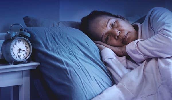 Có nhiều nguyên nhân dẫn đến mất ngủ, trong đó stress, suy nhược thần kinh, căng thẳng chiếm phần lớn.